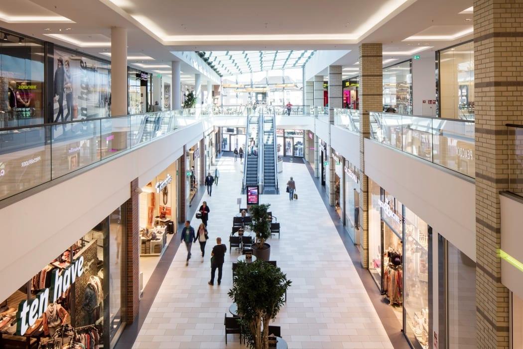 RKW Dinslaken Neutor Galerie Einkaufszentrum–Einzelhandel Hertie Kaufhaus Gebaeudeensemble Marcus Pietrek 02