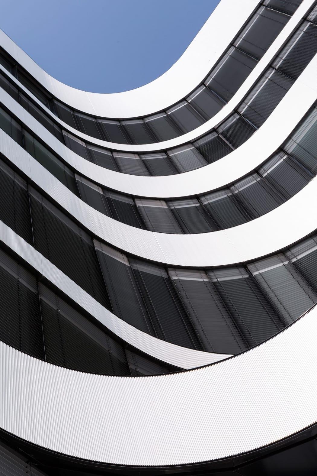 RKW Duesseldorf Panta Rhei Businesspark Flughafen Kunstobjekt LEED Gold Ralph Richter 09