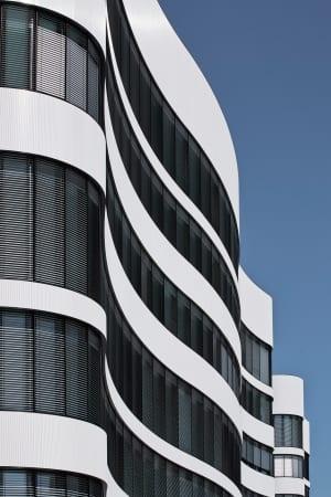 RKW Duesseldorf Panta Rhei Businesspark Flughafen Kunstobjekt LEED Gold Ralph Richter 10