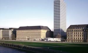 RKW Duesseldorf Vodafon Hochhaus Sanierung Stahlskelettbauweise Denkmalschutz Architekt Prof Paul Schneider von Esleben  HGEsch 01