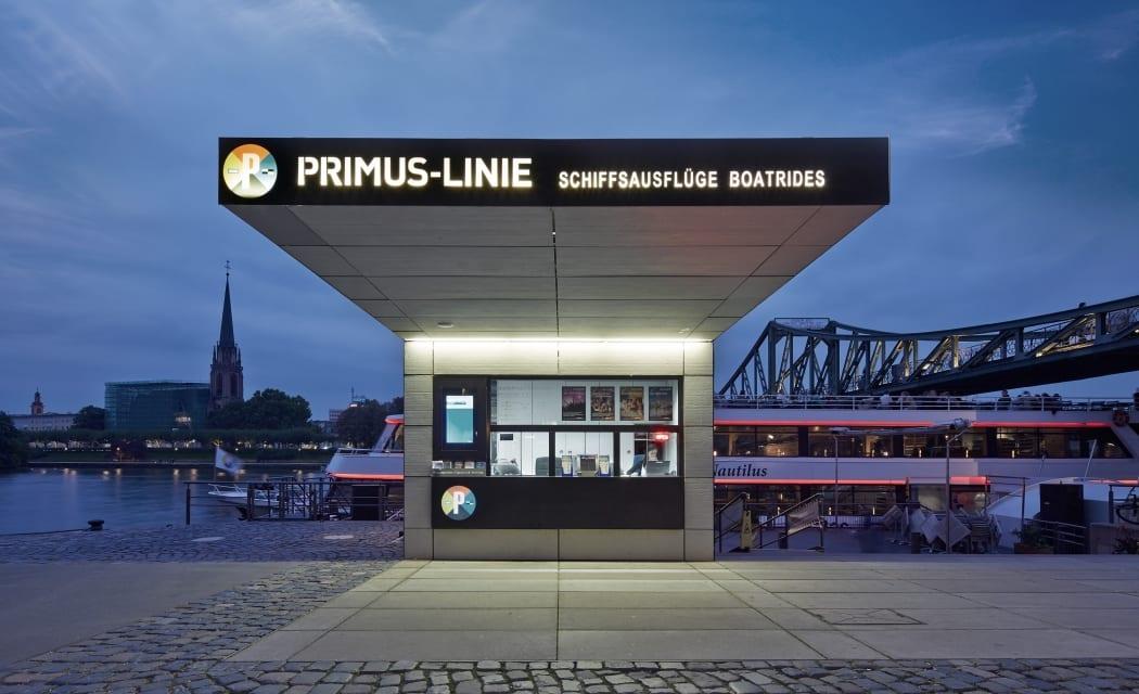 RKW Frankfurt Ticketverkaufsstand Anlegestelle Primus Linie Schalter Schifffahrt Ralph Richter 01