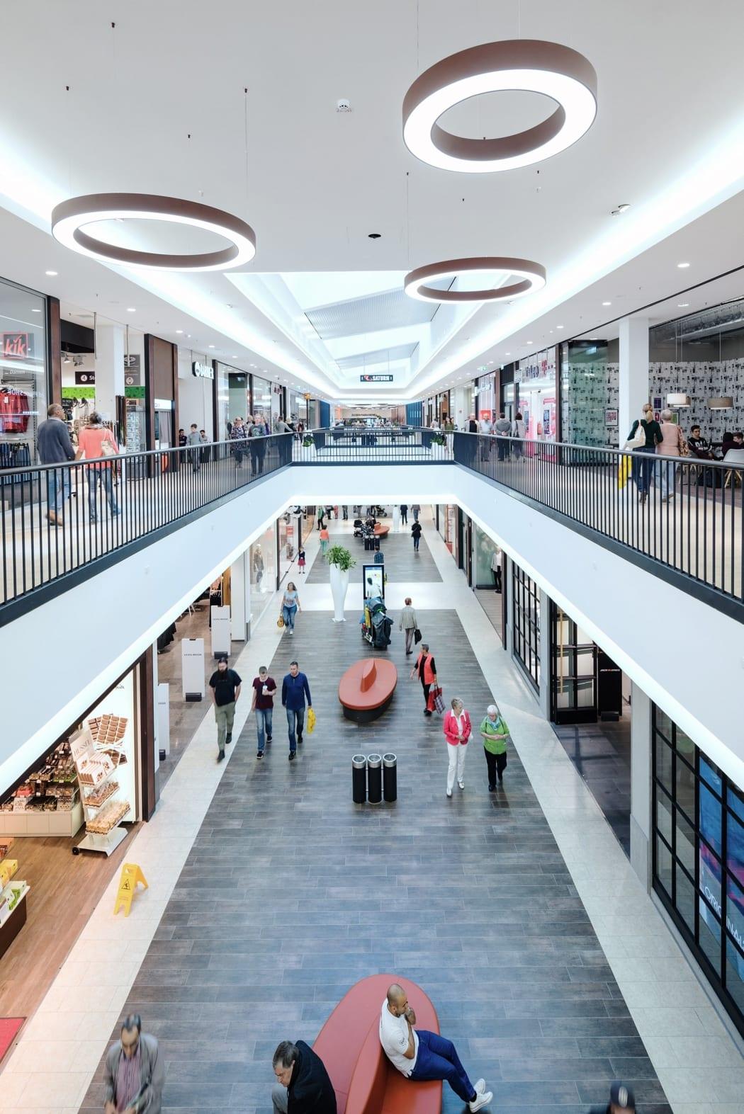 RKW Gummersbach Forum Gummersbach Shopping Center Einzelhandel Einkaufszentrum Steinmuellergelaende Marcus Schwier 04