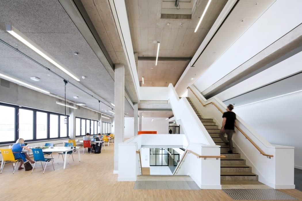 RKW Lippstadt Hochschule Hamm Lippstadt Studenten Fachbereiche Hoersaalzentrum Labore Werkstatt Mediathek Marcus Pietrek 07