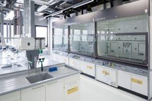 RKW Lippstadt Hochschule Hamm Lippstadt Studenten Fachbereiche Hoersaalzentrum Labore Werkstatt Mediathek Marcus Pietrek 14