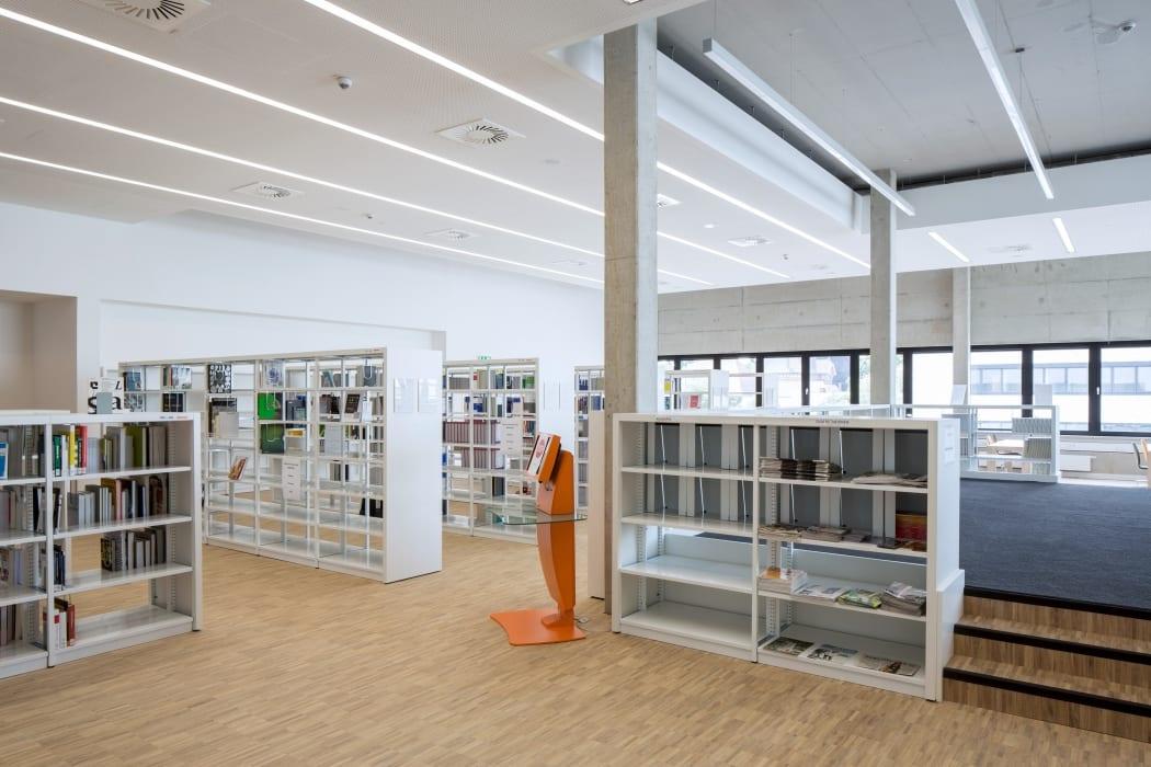 RKW Lippstadt Hochschule Hamm Lippstadt Studenten Fachbereiche Hoersaalzentrum Labore Werkstatt Mediathek Marcus Pietrek 20