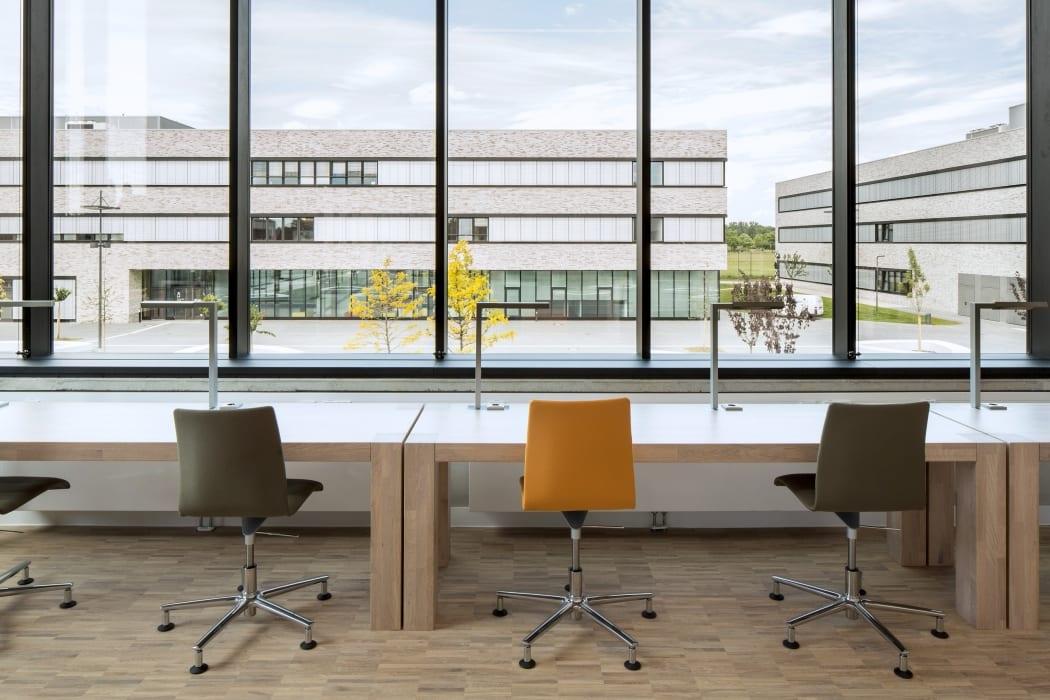 RKW Lippstadt Hochschule Hamm Lippstadt Studenten Fachbereiche Hoersaalzentrum Labore Werkstatt Mediathek Marcus Pietrek 22