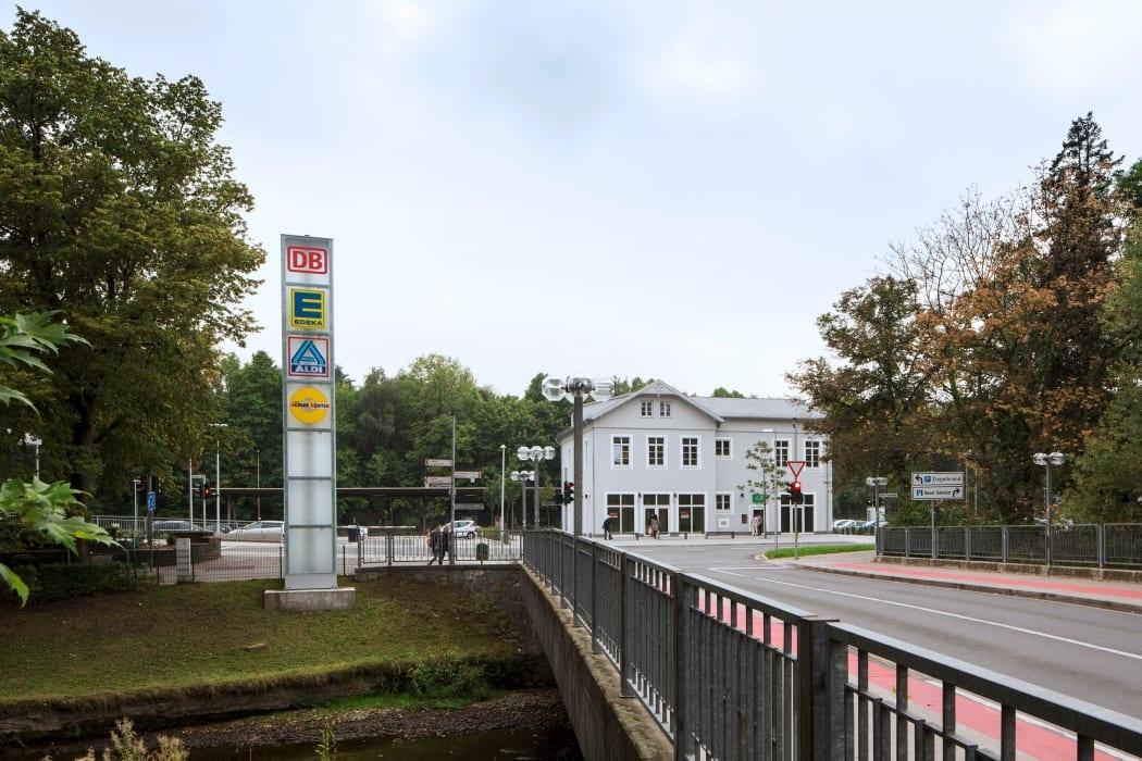 RKW Menden Neuer Bahnhof Fachmarktzentrum historisches Bahnhofsgebaeude Einzelhandel Marcus Pietrek 01