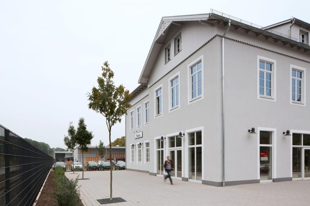 RKW Menden Neuer Bahnhof Fachmarktzentrum historisches Bahnhofsgebaeude Einzelhandel Marcus Pietrek 02