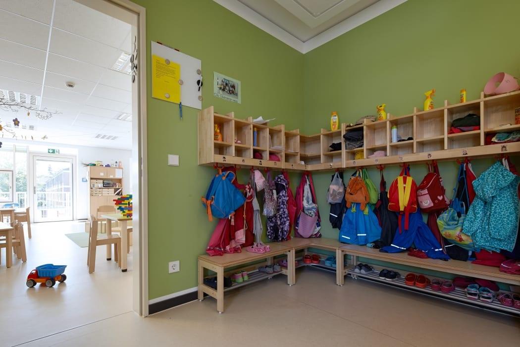 RKW Neuss Christuskirchengemeinde Kirchturm Konrad Adenauer Ring Gemeindezentrum Kindergarten Michael Reisch 06