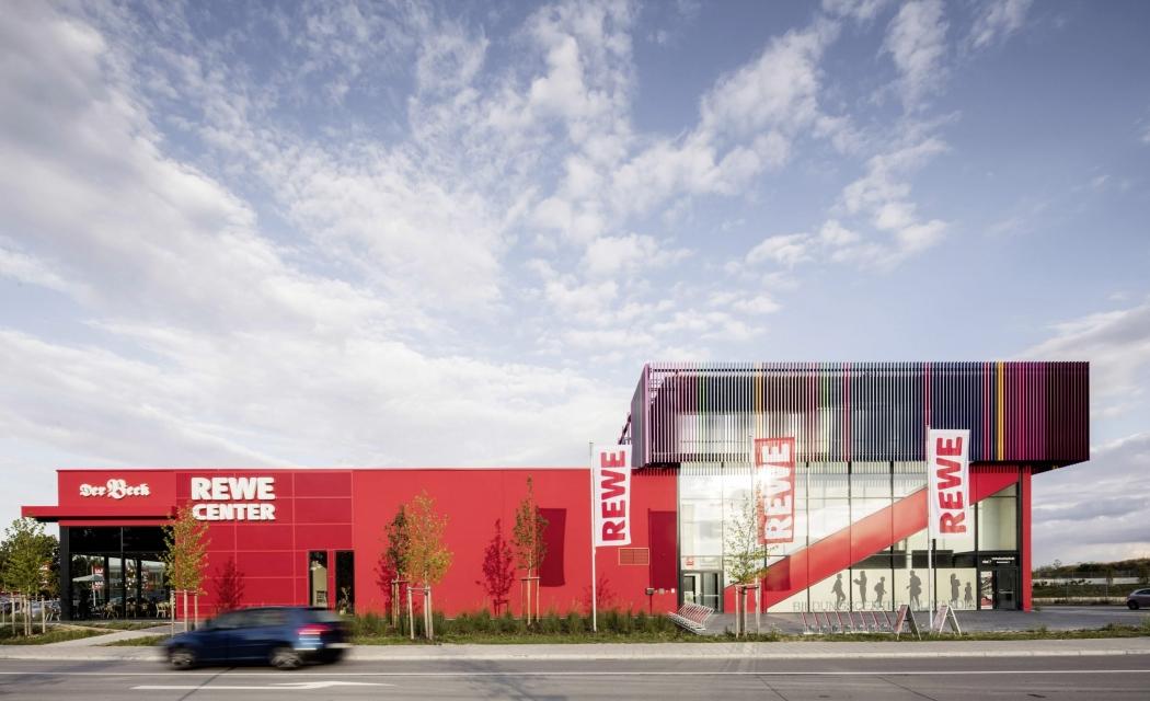 RKW Regensburg Stadtteilzentrum Candis Edeka Center Stadtteilbuecherei Supermarkt Vollsortimenter Marcus Pietrek 01.tif