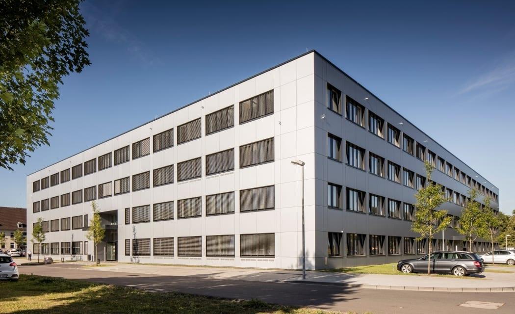 RKW Koeln Dienstgebaeude Luettich Kaserne Bundeswehr Kunst am Bau Konsortium Marcus Pietrek 01