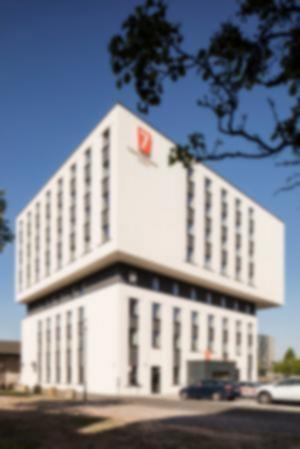 RKW 7 Days Premium Hotel Duisburg Innenhafen Plateno Group Hebebruecke Schwanentor 11
