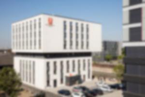 RKW 7 Days Premium Hotel Duisburg Innenhafen Plateno Group Hebebruecke Schwanentor 12