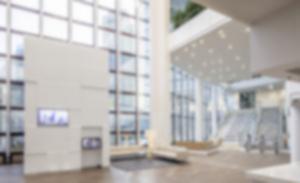 RKW DZ Bank Frankfurt Westend Foyer Innenarchitektur Sanierung Sitztreppe Lichtinstallation Foto Marcus Pietrek 01
